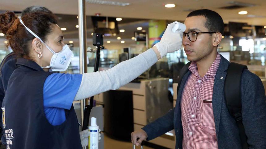A 34 aumentó el número de personas infectadas por coronavirus en ...