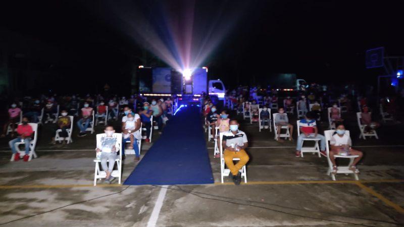 Llegó el cine para los niños del corregimiento Palo de Agua en Lorica - Noticias de Colombia