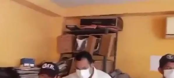¡Aguantan hasta calor! En precarias condiciones sesionan los concejales en el municipio de Chimá - Noticias de Colombia